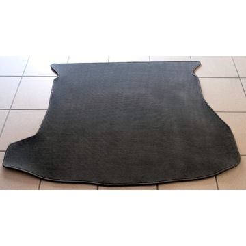 Mata bagażnika Mazda Premacy - welurowa