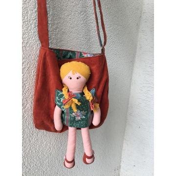 torebka z lalką