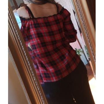 Piękna bluzka z odkrytymi ramionami