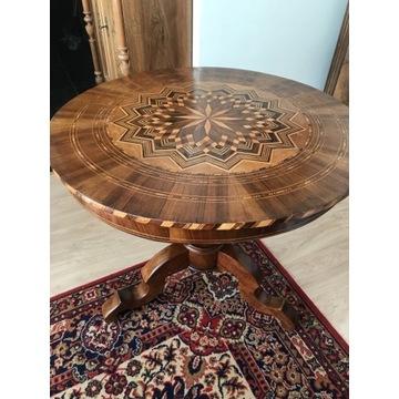 Stół okrągły intarsjowany