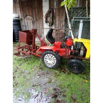 Sprzedam traktorek ogrodowy plus sprzęt rolniczy.