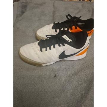 Buty Nike Tiempo 41.5