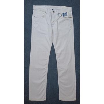 Jeansy BALDESSARINI Jack - białe W33/L32 - regular