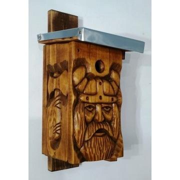 domek dla ptaków, budka lęgowa, rzeźba w drewnie