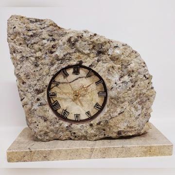 Zegar z kamienia , ozdobny kominkowy