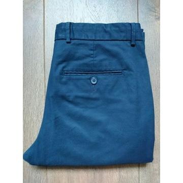 Spodnie chino Reserved tapered W30 L32