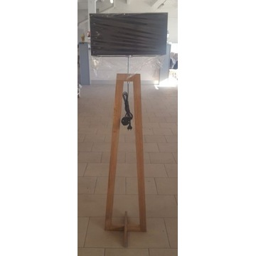 Lampa stojąca- drewniane nogi, czarny abażur