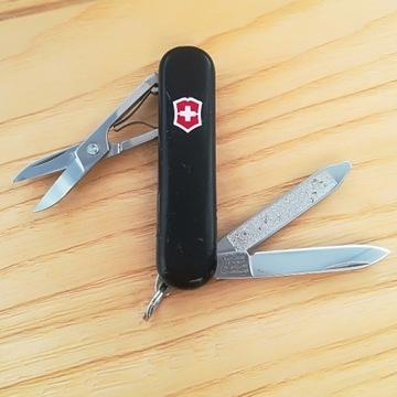 Scyzoryk Victorinox SwissLite dioda czarny