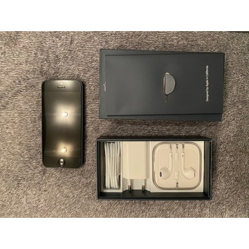 iPhone 5 16GB space gray w zestawie