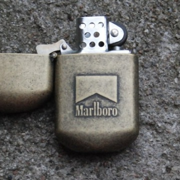 Zapalniczka zippo marlboro light's