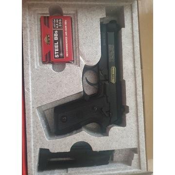 Beretta M9. Wiatrówka CyberGun Swiss Arms GSG P92
