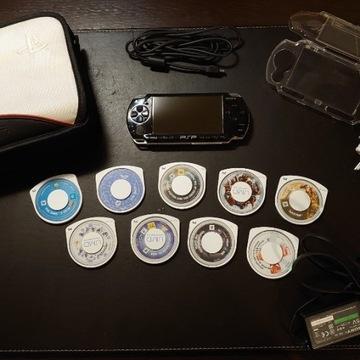 Konsola PSP + 9 Gier + Etui + Futerał + Karta pam.
