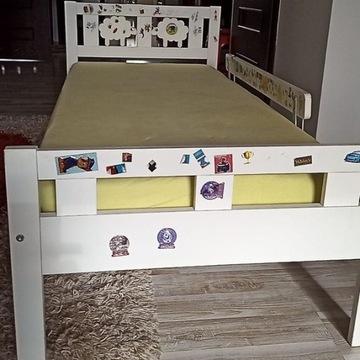 Łóżko dziecięce IKEA KRITTER + barierka, materac