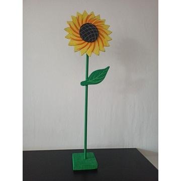 Kwiatek stojący drewniany