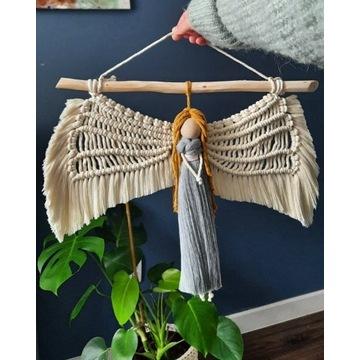 Makrama dekoracja na ściane anioł aniołek