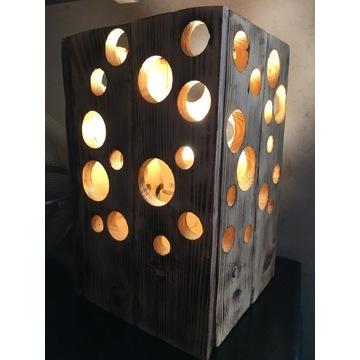 Drewniana lampka