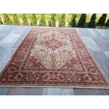 Piękny orientalny wełniany dywan 200x300cm