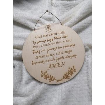 Drewniana dekoracja, modlitwa w kole