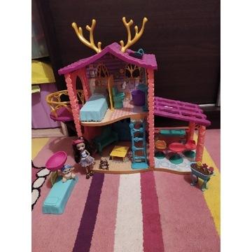 Domek enchantimals z lala dodatkowe łóżko i kwiaty
