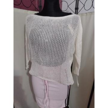Sweter azurkowy biały