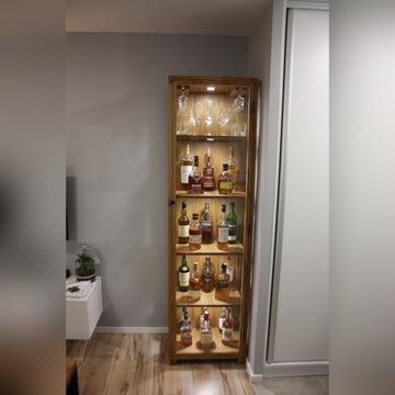 Barek, witryna dębowa na alkohol