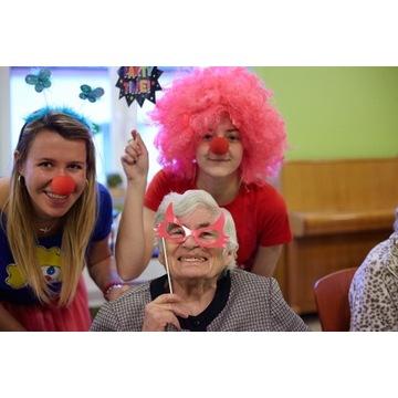 """""""Uśmiech dla Seniora"""" – """"terapia śmiechem"""" i warsztaty kreatywne dla łódzkich seniorów"""