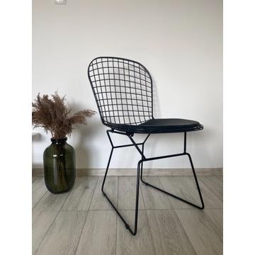 Krzesła metalowe loft . Czarny kolor .
