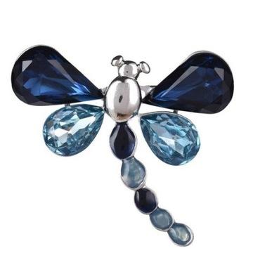 Broszka Vintage motyl z niebieskimi kryształami