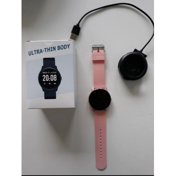 Różowy smartwatch