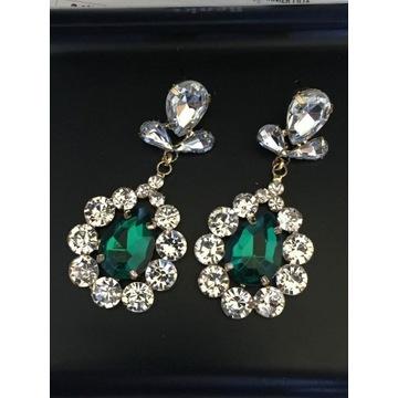 Kolczyki kryształowe z zielonym oczkiem