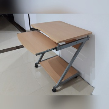 Stolik komputerowy - buk