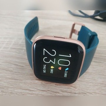 Smartwatch Fitbit Versa 2 (Emerald/Copper Rose)