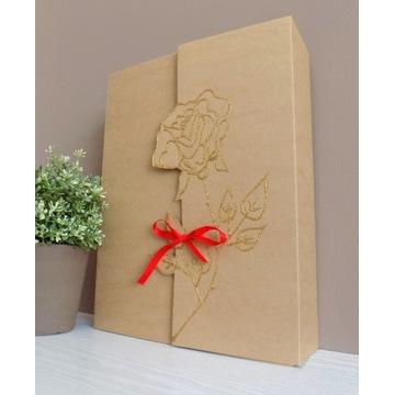 Pudełko dekoracyjne z tłoczoną różą