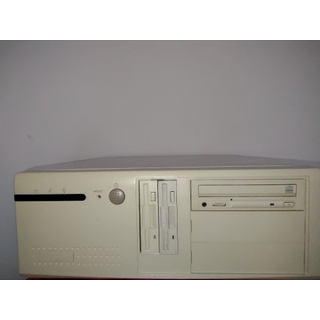 Komputer desktop Pentium 133 32MB RAM