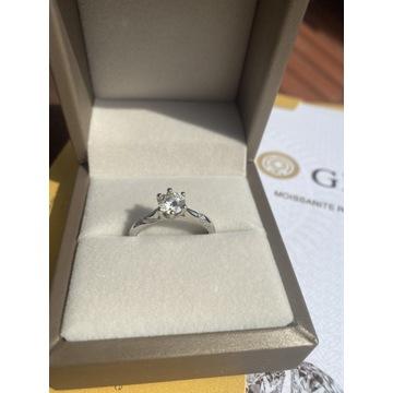 Piękny pierścionek z Moissanite 1 carat