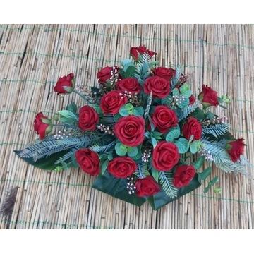 Stroik nagrobny różyczki