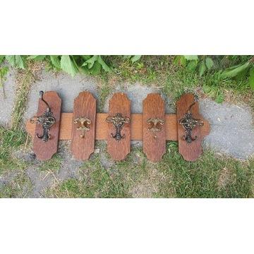 Stylowy drewniany wieszak