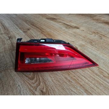 Audi A3 8V5 sedan lampa prawy tył USA 8V5945094J