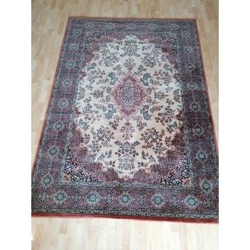 Piękny salonowy, wełniany dywan 170x240