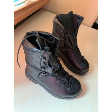 Buty wojskowe zimowe 933/MON