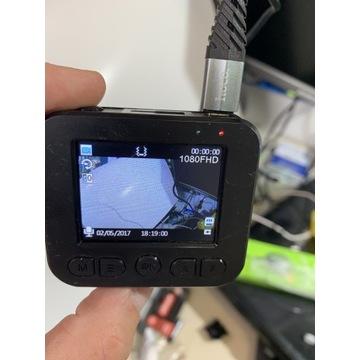 Kamerka, wideorejestrator Navitel r200nv