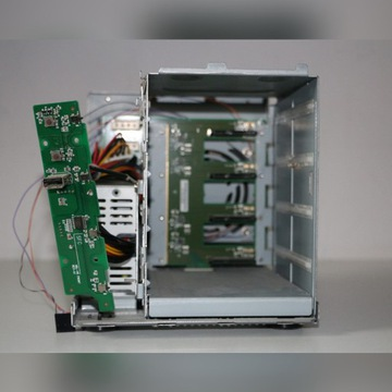 Verbatim PowerBay NAS 4 disk - uszkodzony