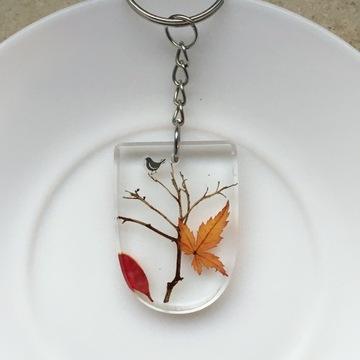 Brelok breloczek drzewo ptak żywica rękodzieło