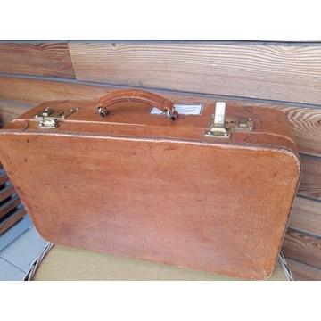 Skórzana walizka z PRL-u