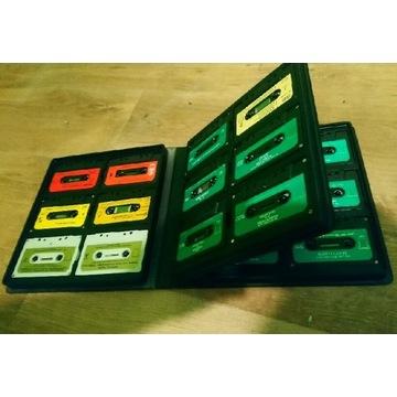 Pudelko z kasetami hifi