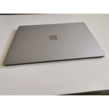 Microsoft Surface Laptop 2 i5-8350U 8GB 256GB NVMe