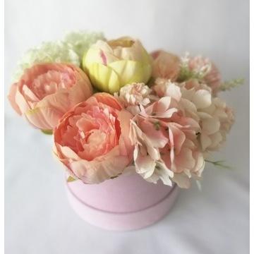 Flowerbox z jedwabnych kwiatów