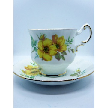 Porcelana Vintage Paragon china żółte dzikie róże