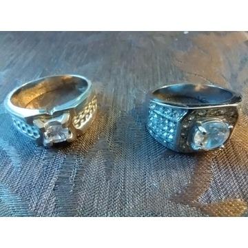 Efektowne sygnety srebrne kryształ w  ok. 28