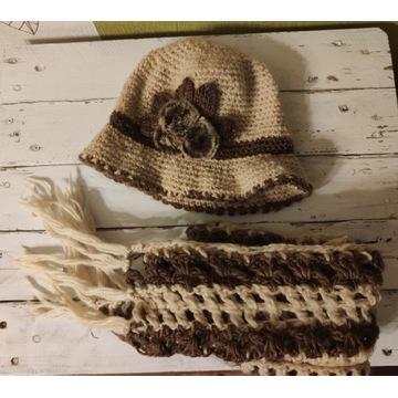 Czapka- kapelusz z szalikiem